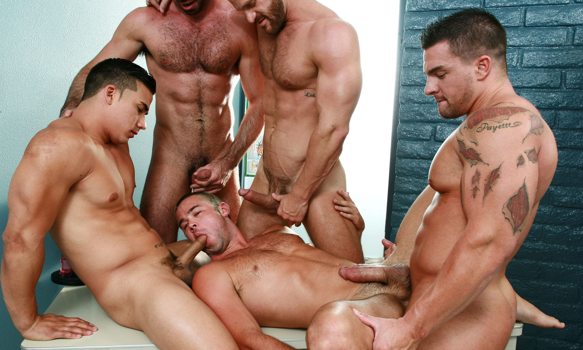 Hunky guys fucking — photo 5